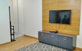 3-комнатная квартира, 76 м², 2 этаж помесячно, Манаса 109а за 500 000 〒 в Алматы, Алмалинский р-н