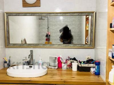 3-комнатная квартира, 80 м², 3/12 этаж, Сатпаева — Брусиловского (Руднева) за 38.3 млн 〒 в Алматы, Бостандыкский р-н — фото 8
