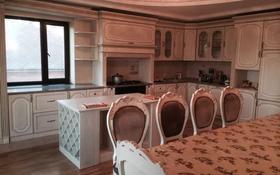 6-комнатный дом помесячно, 270 м², 10 сот., Мкр.Мунайшы 1 за 600 000 〒 в Атырау