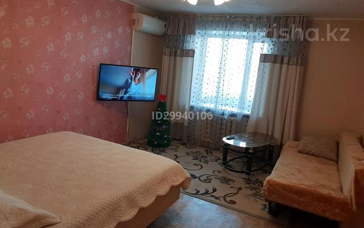 1-комнатная квартира, 41 м², 7/12 этаж посуточно, Казахстан 70 — Орджиникидзе за 9 000 〒 в Усть-Каменогорске