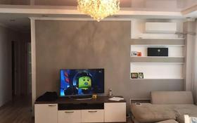3-комнатная квартира, 65 м², 5/5 этаж помесячно, Жетi Қазына 8 за 130 000 〒 в Атырау