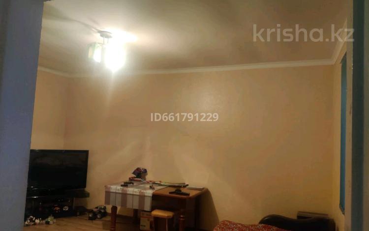2-комнатный дом, 104 м², 10 сот., Тулпар — Жыбек жолы за 18 млн 〒 в Шымкенте, Енбекшинский р-н