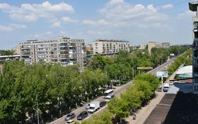 2-комнатная квартира, 50 м² помесячно, проспект Нуркена Абдирова 15 за 120 000 〒 в Караганде, Казыбек би р-н