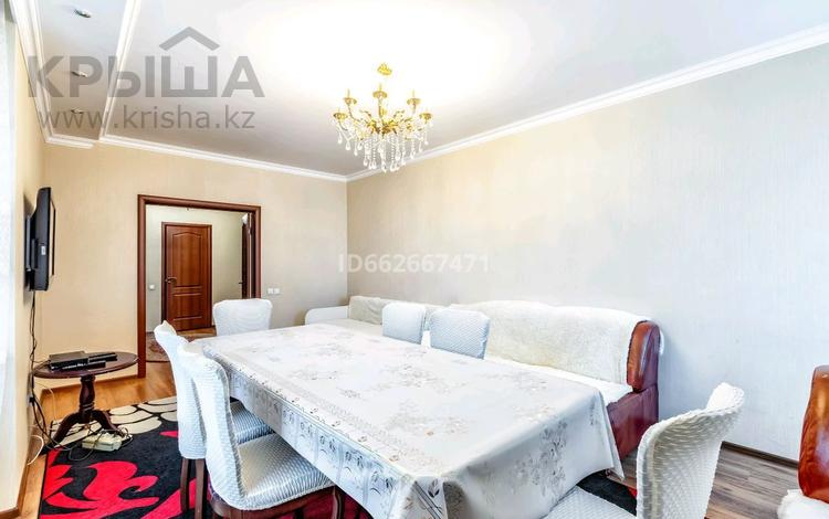 2-комнатная квартира, 75 м², 16/24 этаж посуточно, Сарайшык 5 Г за 12 000 〒 в Нур-Султане (Астана), Есиль р-н
