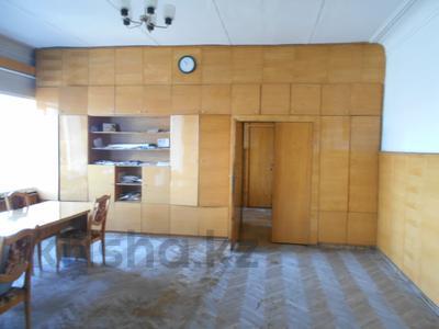 Здание, площадью 1198 м², Администритвный городок 11/1 за 47 млн 〒 в Павлодаре — фото 8