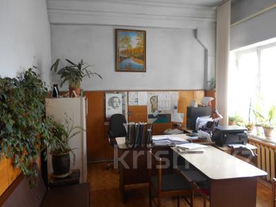 Здание, площадью 1198 м², Администритвный городок 11/1 за 47 млн 〒 в Павлодаре — фото 9