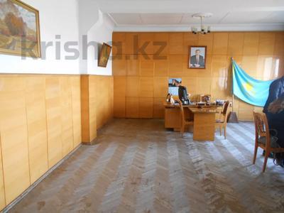 Здание, площадью 1198 м², Администритвный городок 11/1 за 47 млн 〒 в Павлодаре — фото 3