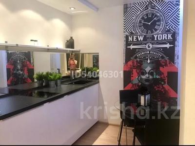 1-комнатная квартира, 48 м², 4/6 этаж посуточно, Кабанбай батыра 58Б за 10 000 〒 в Нур-Султане (Астана), Есиль р-н — фото 4