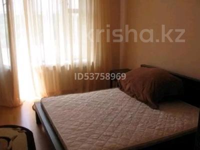 1-комнатная квартира, 40 м², 6 этаж посуточно, Валиханова — Кенесары за 5 000 〒 в Нур-Султане (Астана), Алматы р-н