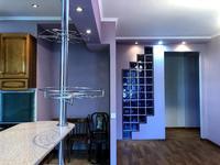 3-комнатная квартира, 134 м², 4/4 этаж помесячно