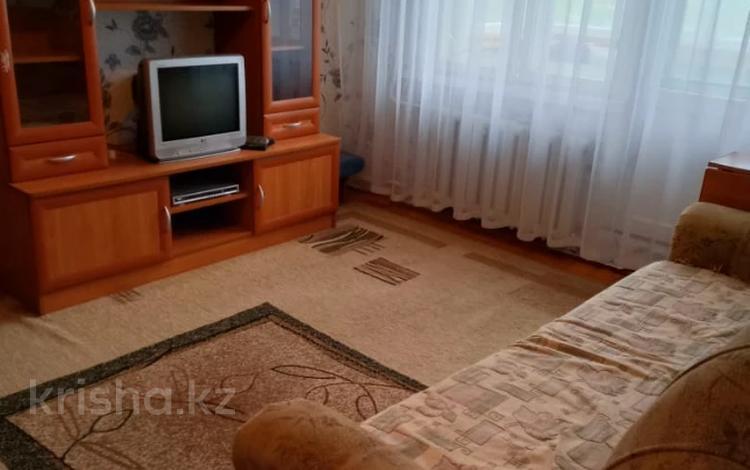 1-комнатная квартира, 33 м², 3/5 этаж, Камзина 31 за 3.3 млн 〒 в Аксу