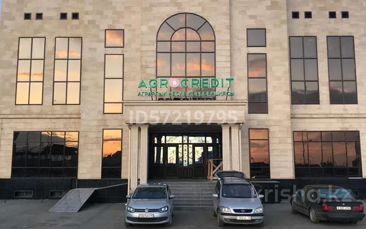 Офис площадью 500 м², Б. Саттарханова — проспект Жибек Жолы за 2 000 〒 в Туркестане