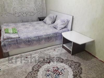 2-комнатная квартира, 65 м², 5/5 этаж посуточно, Гани Иляева 22 — Кунаева за 5 000 〒 в Шымкенте