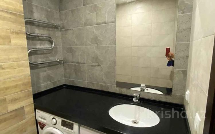 2-комнатная квартира, 65 м², 9/14 этаж, Момышулы 2/9 за 24 млн 〒 в Нур-Султане (Астана), Алматы р-н