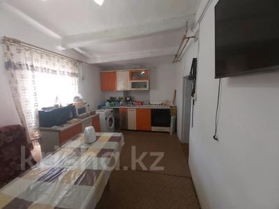 3-комнатный дом, 64 м², 10 сот., Баженова 12 за 12 млн 〒 в Караганде, Казыбек би р-н — фото 4
