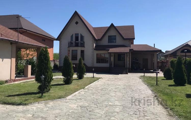 6-комнатный дом, 340 м², 10 сот., Токаева 67 — Кабанбай батыра за 70 млн 〒 в Талдыкоргане