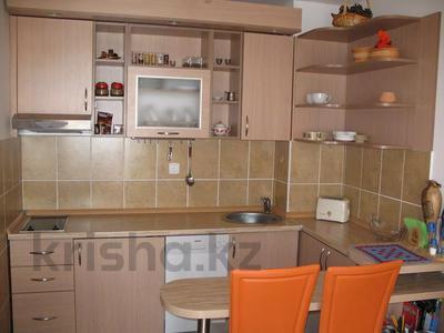 2-комнатная квартира, 60 м², 3/6 этаж посуточно, Горького 44 за 6 500 〒 в Кокшетау — фото 2