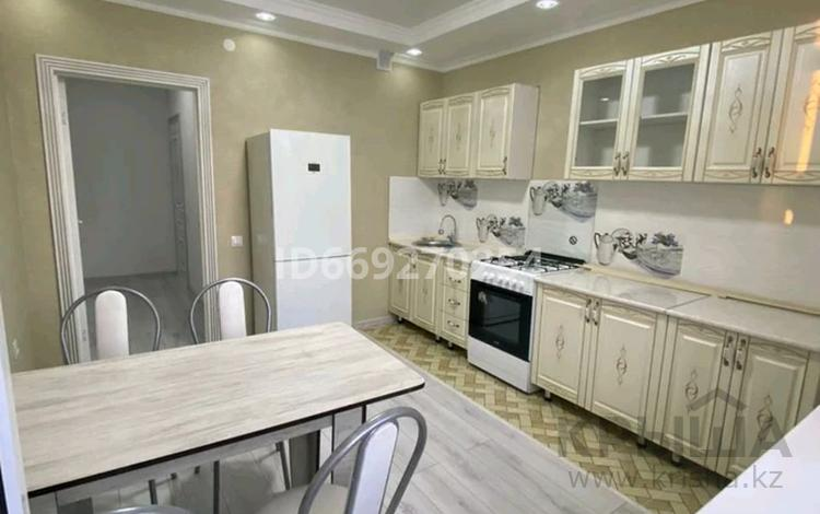 1-комнатная квартира, 48 м², 1/5 этаж, 8 мкр 13 за 16 млн 〒 в Талдыкоргане