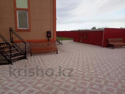 7-комнатный дом, 247 м², 13.3 сот., Кокбайрак 35 за 27.5 млн 〒 в Петропавловске — фото 11