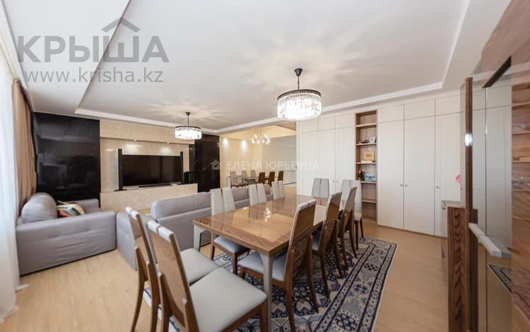 4-комнатная квартира, 180 м², 1/2 этаж, Кабанбай Батыра 43 за 140 млн 〒 в Нур-Султане (Астана), Есиль р-н