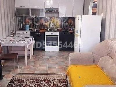 2-комнатная квартира, 38 м², 2/5 этаж посуточно, Крестьянская 3 за 5 000 〒 в Семее — фото 3