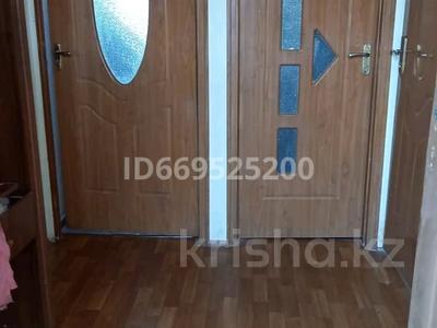 3-комнатная квартира, 60 м², 3/4 этаж, Мкр 3, самал 23 за 8.5 млн 〒 в Жанаозен