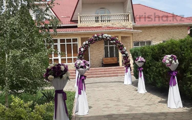 7-комнатный дом посуточно, 350 м², 12 сот., проспект Абая 84 — Аскарова за 60 000 〒 в Таразе