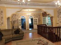 10-комнатный дом, 379 м², 8 сот.
