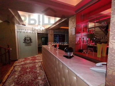 11-комнатный дом посуточно, 1500 м², 40 сот., Оспанова — Достык за 250 000 〒 в Алматы, Медеуский р-н — фото 9