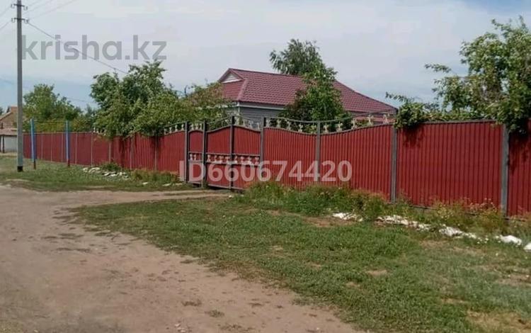 4-комнатный дом, 120 м², 20 сот., 1-й микрорайон за 6.5 млн 〒 в
