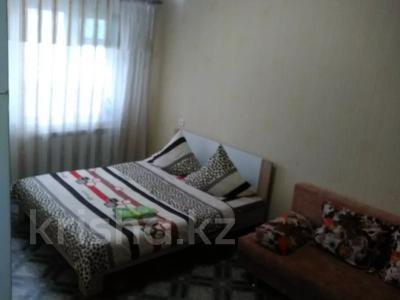 1-комнатная квартира, 37 м², 2/5 этаж посуточно, Оспанова 52 за 5 000 〒 в Актобе