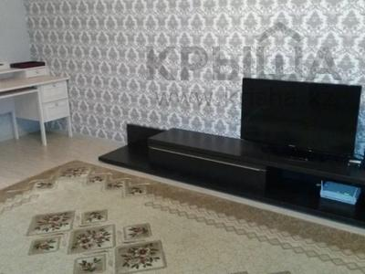 2-комнатная квартира, 77 м², 4/9 этаж помесячно, Сыганак 15 за 120 000 〒 в Нур-Султане (Астана), Есильский р-н — фото 2