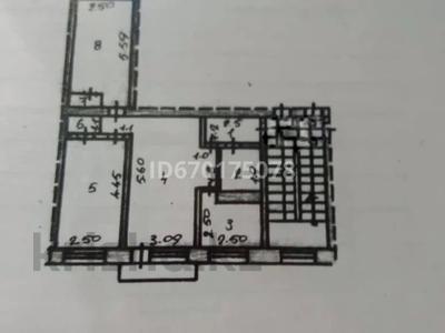 3-комнатная квартира, 60 м², 3/5 этаж, мкр Новый Город, Нурсултан Назарбаева 57 за 17.5 млн 〒 в Караганде, Казыбек би р-н