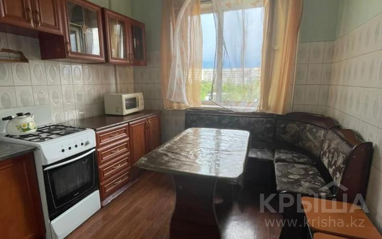 1-комнатная квартира, 40 м², 8/9 этаж, Мкр Аксай-2 — Саина за 18.4 млн 〒 в Алматы, Бостандыкский р-н
