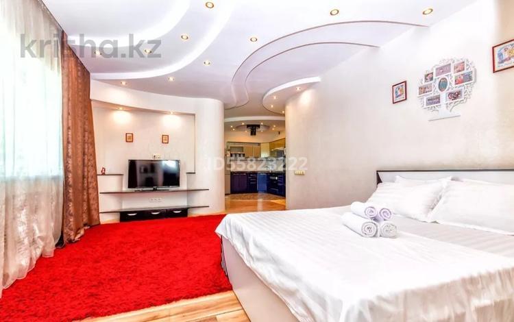 1-комнатная квартира, 58 м², 33/36 этаж посуточно, Достык 5 — Кабанбай Батыра за 10 000 〒 в Нур-Султане (Астана), Есильский р-н