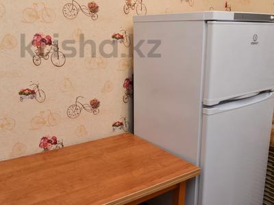 1-комнатная квартира, 36 м², 1/5 этаж посуточно, Ерубаева 48 за 7 495 〒 в Караганде, Казыбек би р-н — фото 8