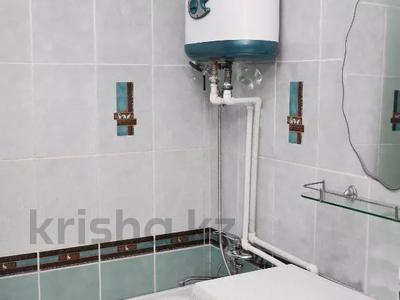 1-комнатная квартира, 36 м², 1/5 этаж посуточно, Ерубаева 48 за 7 495 〒 в Караганде, Казыбек би р-н — фото 9