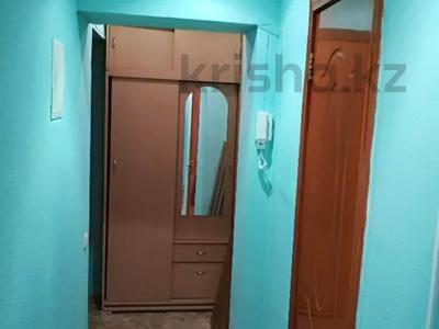 2-комнатная квартира, 45 м², 2 этаж посуточно, Толе би — Айтиева за 5 000 〒 в Таразе — фото 2