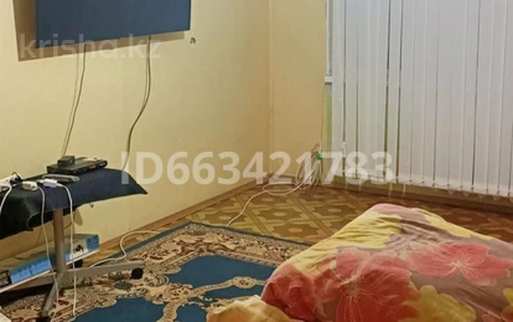 3-комнатная квартира, 61 м², 1/5 этаж, Тургенева 88 — Абая за 9.8 млн 〒 в Актобе, мкр 5