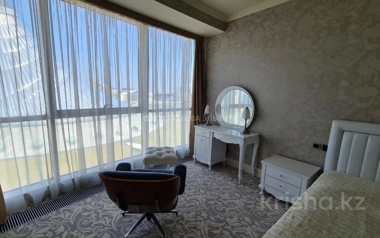 3-комнатная квартира, 140 м², 10/26 этаж на длительный срок, Туран 37/9 за 500 000 〒 в Нур-Султане (Астане), Есильский р-н