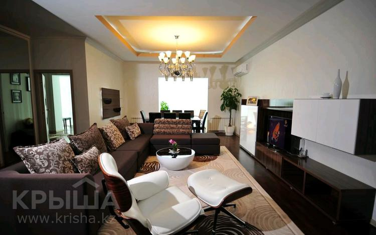 4-комнатная квартира, 145 м², 30/38 этаж помесячно, Желтоксан 2 за 220 000 〒 в Нур-Султане (Астана)