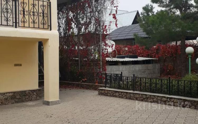 4-комнатный дом, 180 м², 5 сот., Сайрамская — Тауке хана! за 45 млн 〒 в Шымкенте, Енбекшинский р-н