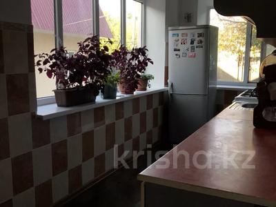 6-комнатный дом, 120 м², 13 сот., Бурное 82 за 13 млн 〒 в Жамбылской обл. — фото 10