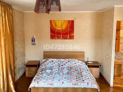 1-комнатная квартира, 35 м², 2/5 этаж по часам, Букетова 42 — Жабаева за 2 500 〒 в Петропавловске