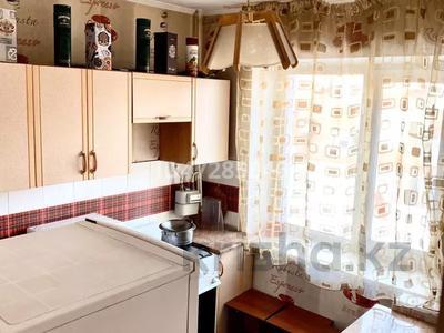 1-комнатная квартира, 35 м², 2/5 этаж по часам, Букетова 42 — Жабаева за 2 500 〒 в Петропавловске — фото 3
