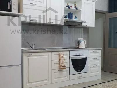 1-комнатная квартира, 45 м², 6/14 этаж посуточно, Сарайшык 7 за 10 000 〒 в Нур-Султане (Астана), Есиль р-н — фото 3