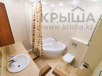 1-комнатная квартира, 45 м², 6/14 этаж посуточно, Сарайшык 7 за 10 000 〒 в Нур-Султане (Астана), Есиль р-н — фото 4