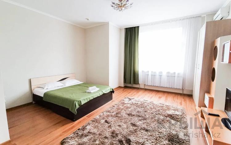 1-комнатная квартира, 53 м², 3 этаж посуточно, Сарайшик 34 — Кунаева за 10 000 〒 в Нур-Султане (Астана), Есиль р-н