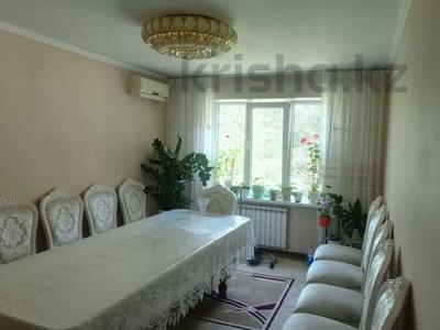4-комнатная квартира, 82 м², 2/5 этаж, Тлендиева — Жандосова за 26.5 млн 〒 в Алматы, Бостандыкский р-н