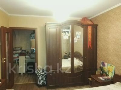 4-комнатная квартира, 82 м², 2/5 этаж, Тлендиева — Жандосова за 26.5 млн 〒 в Алматы, Бостандыкский р-н — фото 5